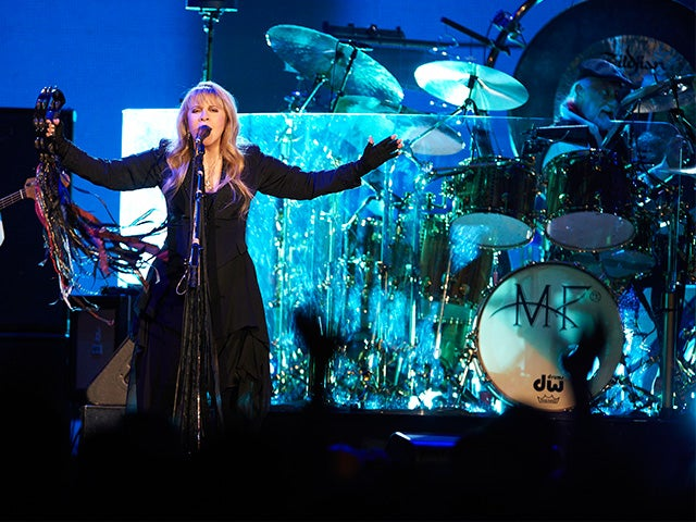 2015_XEC_FleetwoodMac_TN763_640x480_main.jpg