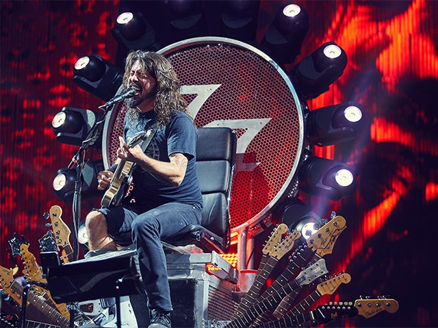 2015_XEC_FooFighters_PhotoGallery6_640x480_main.jpg
