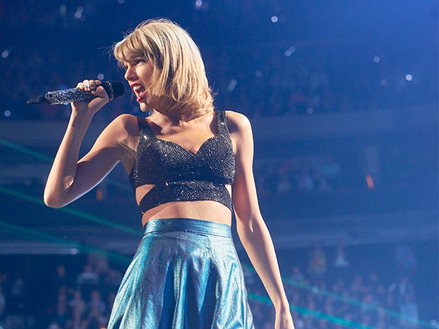 2015_XEC_TaylorSwift_Photo18_640x480_main.jpg